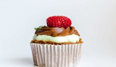 how to make moist cupcakes